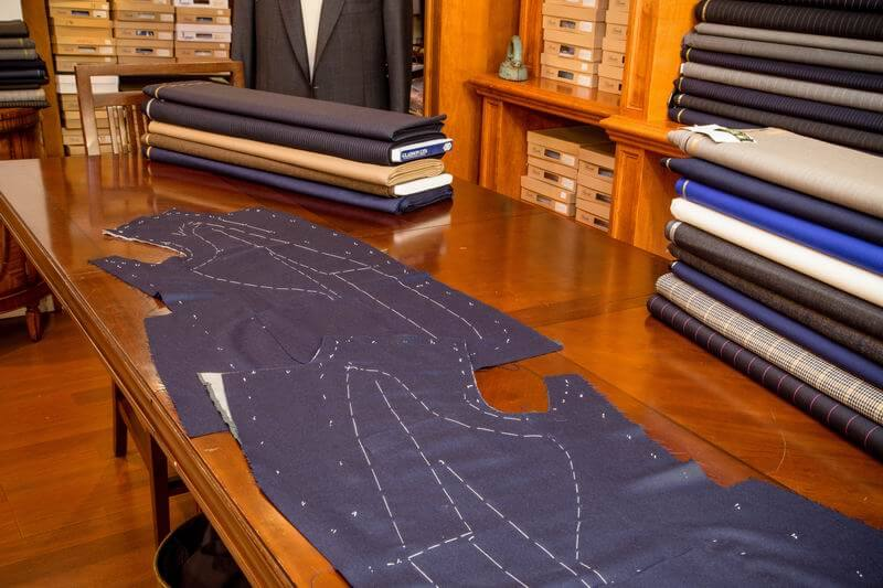 men's custom suit fabric with tailoring lines